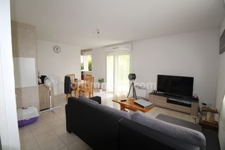 Appartement en rez-de-jardin MINIAC MORVAN 47 m² ()