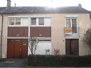 Maison mitoyenne CHATELLERAULT 87 m² ()