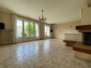 Maison SAINT BONNET DE MURE 87 m² ()