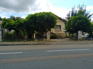 Maison en pierre SAUVETERRE LA LEMANCE 100 m² ()
