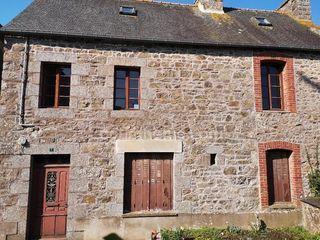 Maison de village POMMERIT LE VICOMTE 85 m² ()