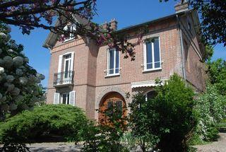 Maison bourgeoise EVREUX 210 m² ()