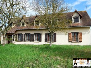 Maison NOGENT LE ROI 188 m² ()