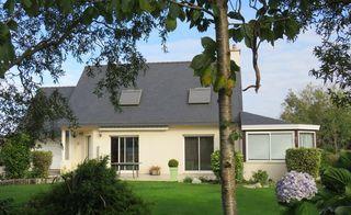 Maison de village PLOUGOURVEST 122 m² ()