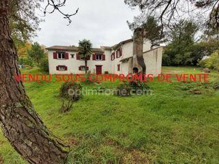 Maison de caractère CHAPTELAT 148 m² ()
