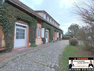 Maison NOGENT LE ROI 249 m² ()