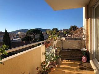 Appartement en résidence HYERES 48 m² ()