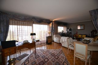 Appartement ORLEANS 100 m² ()