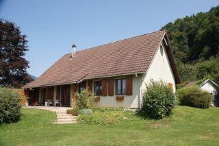 Maison plain-pied ENTRE DEUX GUIERS 110 m² ()