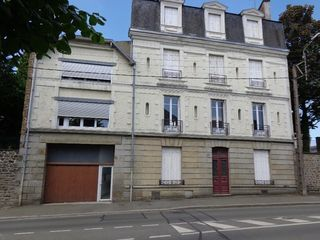 Appartement FOUGERES 58 m² ()