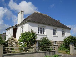 Maison de village PLOUZEVEDE 82 m² ()
