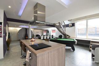 Loft/Atelier/Surface ELOYES 183 m² ()