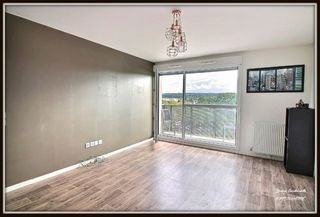 Appartement CARRIERES SOUS POISSY 55 m² ()