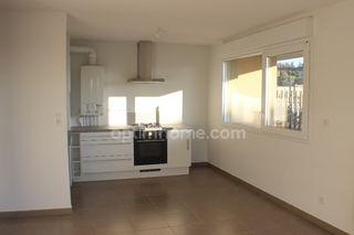 Appartement MORIERES LES AVIGNON 61 m² ()
