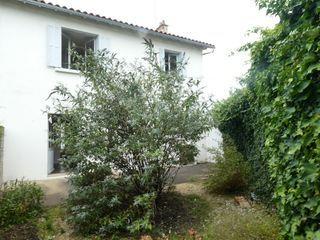 Maison mitoyenne NIORT 75 m² ()