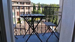 Appartement rénové TRANS EN PROVENCE 55 m² ()