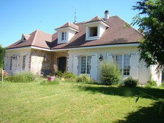 Maison bourgeoise ISLE 193 m² ()