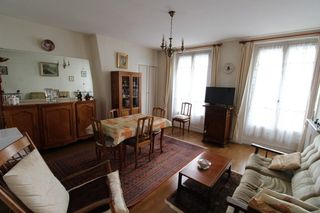 Appartement ancien PARIS 11EME arr 44 m² ()