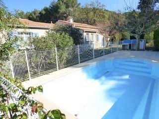 Villa VENTABREN 238 m² ()