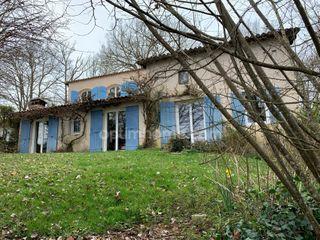 Maison de caractère PERIGUEUX 170 (24000)