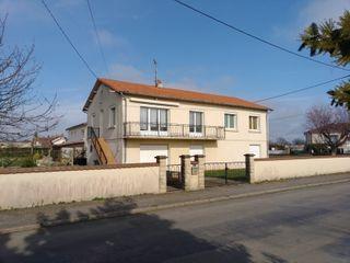 Maison VASLES 105 (79340)
