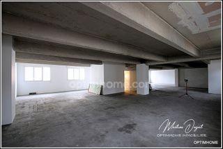 Loft/Atelier/Surface VICHY 216 (03200)