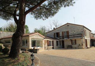 Maison en pierre SAINT CESAIRE 169 (17770)