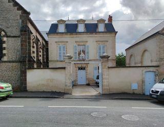 Maison de caractère FRESNAY SUR SARTHE 290 (72130)